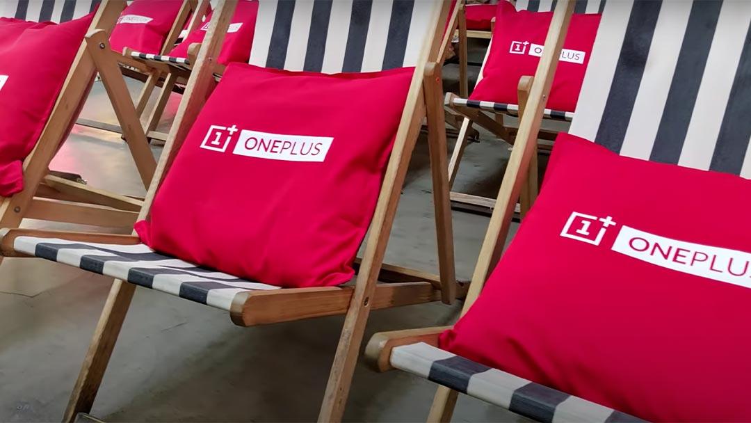 Sillas con cojines de OnePlus