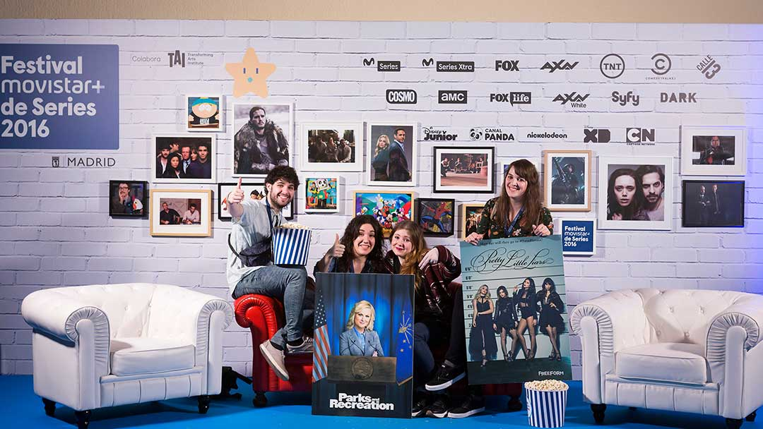 Fans en Photocall de series de Movistar
