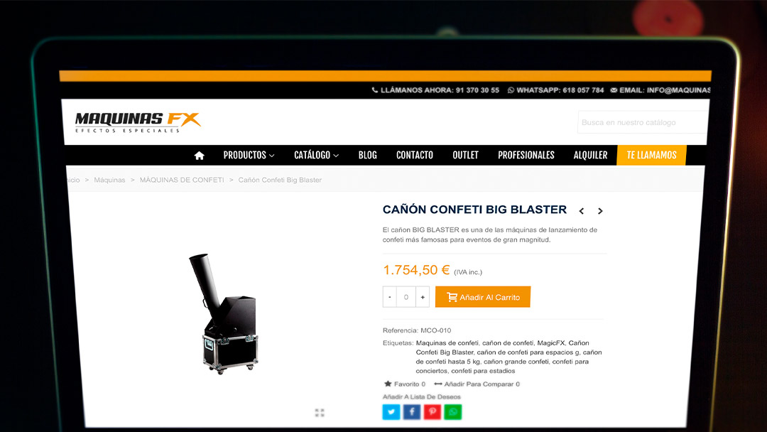 Ordenador con producto de Máquinas FX