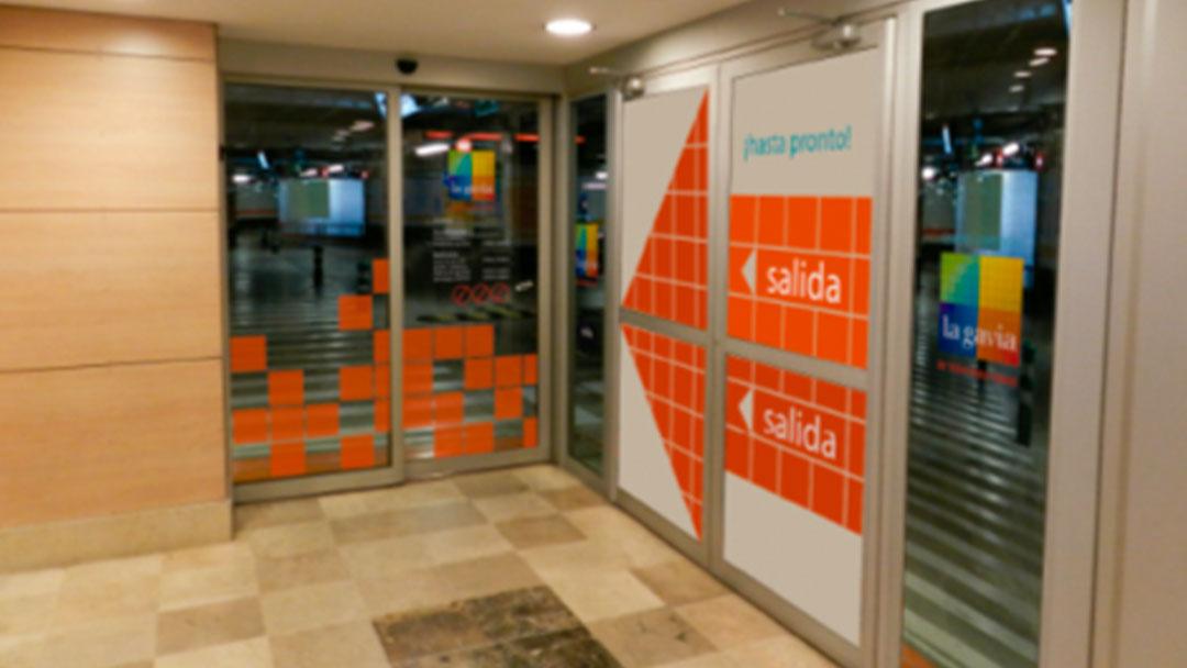 Puertas de salida en Carrefour
