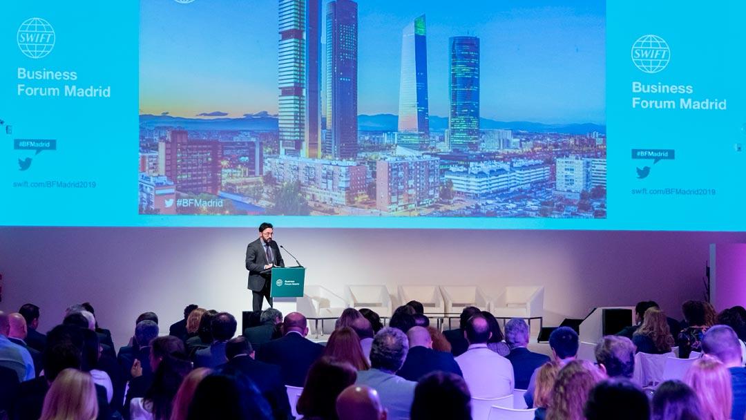 Escenario principal en el Swift Business Forum de Madrid